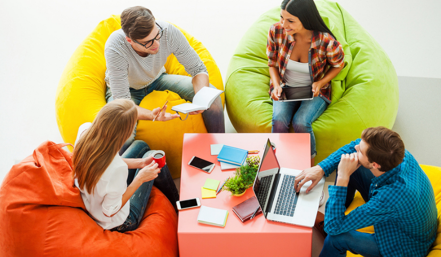 People working in modern digital workplace