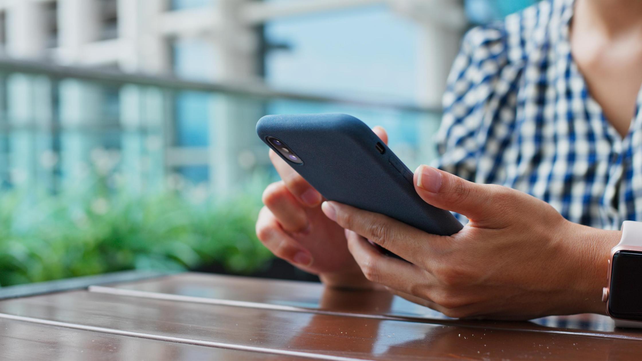 deploy enterprise mobile apps