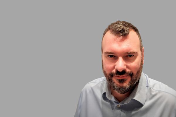 Sean McAndrew grey background
